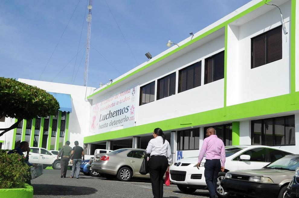 fachada ministerio salud 44