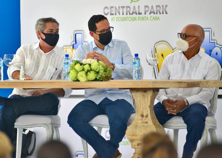Fernando Hazoury, Sigmund Freud y Leonel Taveras