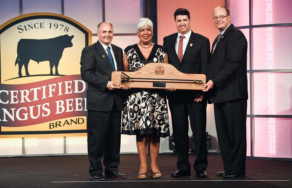 foto 1 entrega premio a supermercados nacional