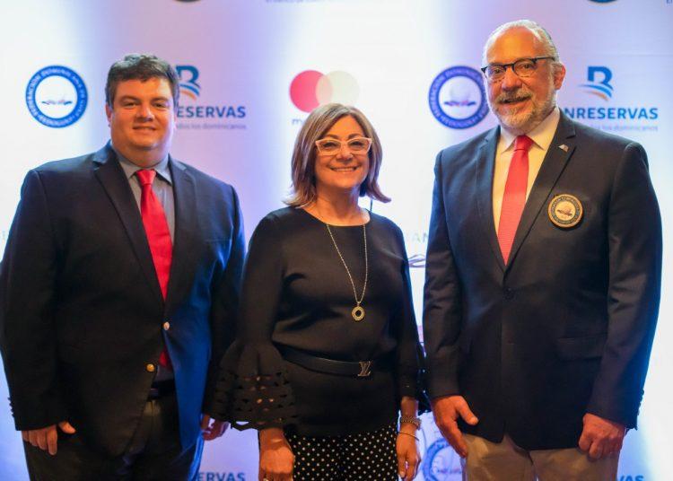 Gabriel Pascual, Antonia Subero y Carlos Elmudesi.