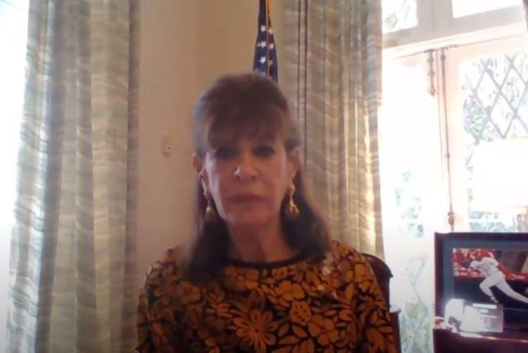 La embajadora Robin S. Bernstein en la conferencia virtual.