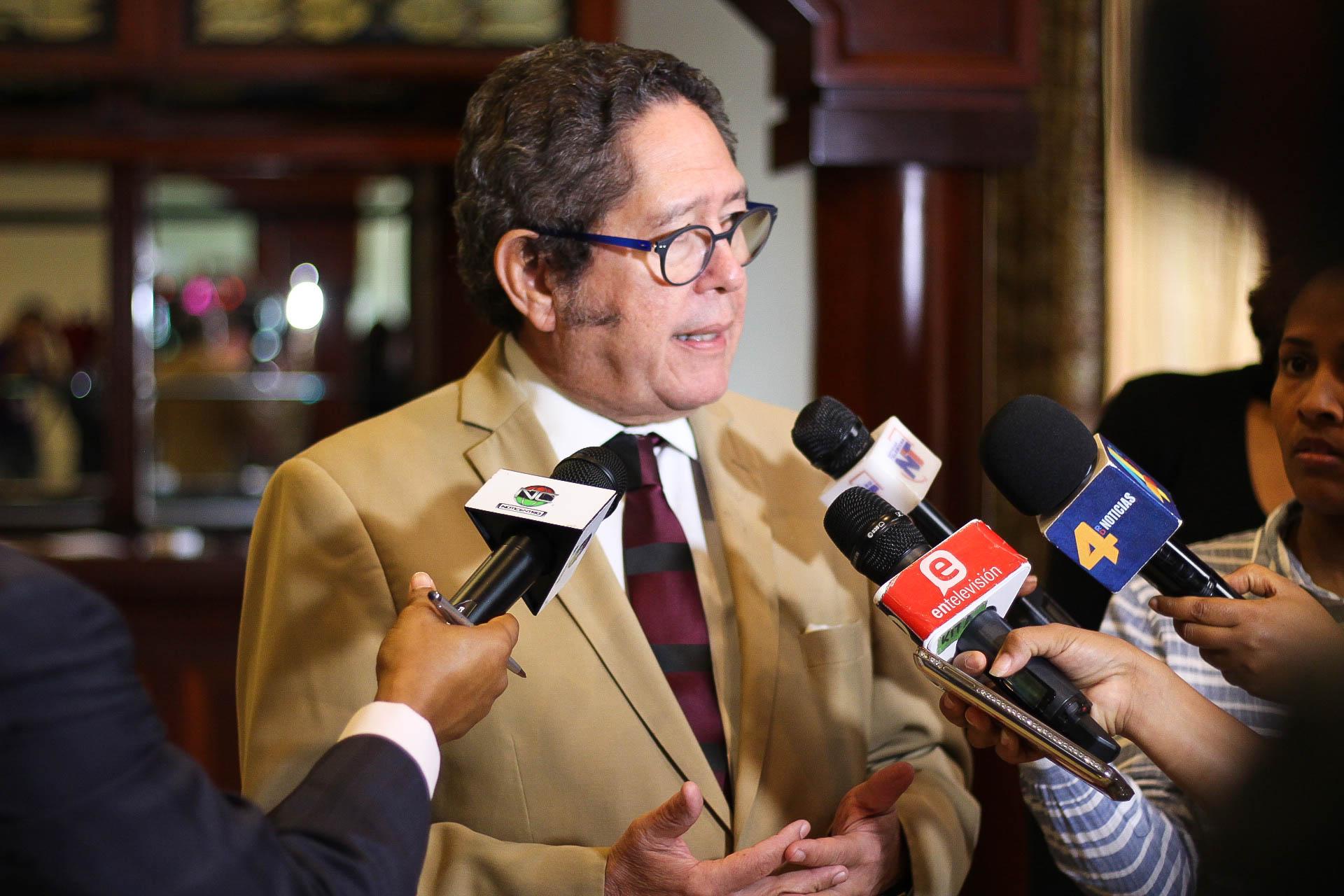 foto 2, fernando gonzález nicolás, presidente mesa mancomunidad en rd. (2)