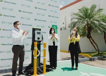 Oscar San Martin, Xiomara León y Nelly Taveras.