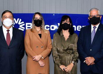 Lionel Senior, Mónica Ceballos,   Orietta de Méndez y Víctor Virgilio Méndez Saba.