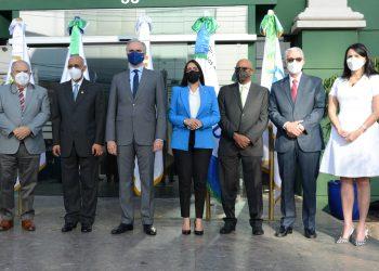 """Funcionarios del Sistema Dominicano de la Seguridad Social durante el lanzamiento de la """"Semana de la Seguridad Social 2021""""."""