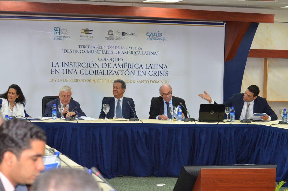 "funglode cátedra ""destinos mundiales de américa latina"""