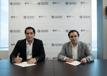George-Nader-CEO-de-Nader-Enterprises-y-Roberto-MillanVP-ejecutivo-de-Fiduciaria-Universal-scaled