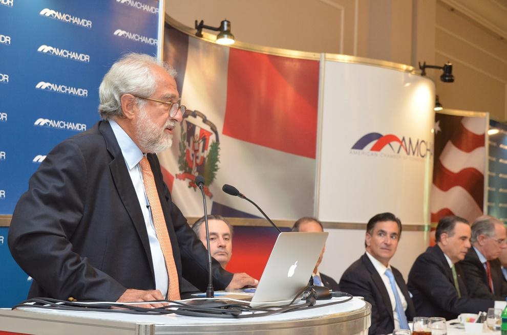 El empresario Rolando González Bunster le toma la palabra a Danilo Medina y acepta la alianza público-privada para solucionar la crisis.