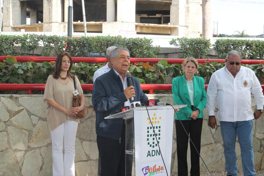 El alcalde del ADN, Roberto Salcedo, anuncia la cuarta versón de Güibia Semana Santa 2015, con la colaboración de la Policía, la AMET, la DNCD y el Cuerpo de Bomberos.