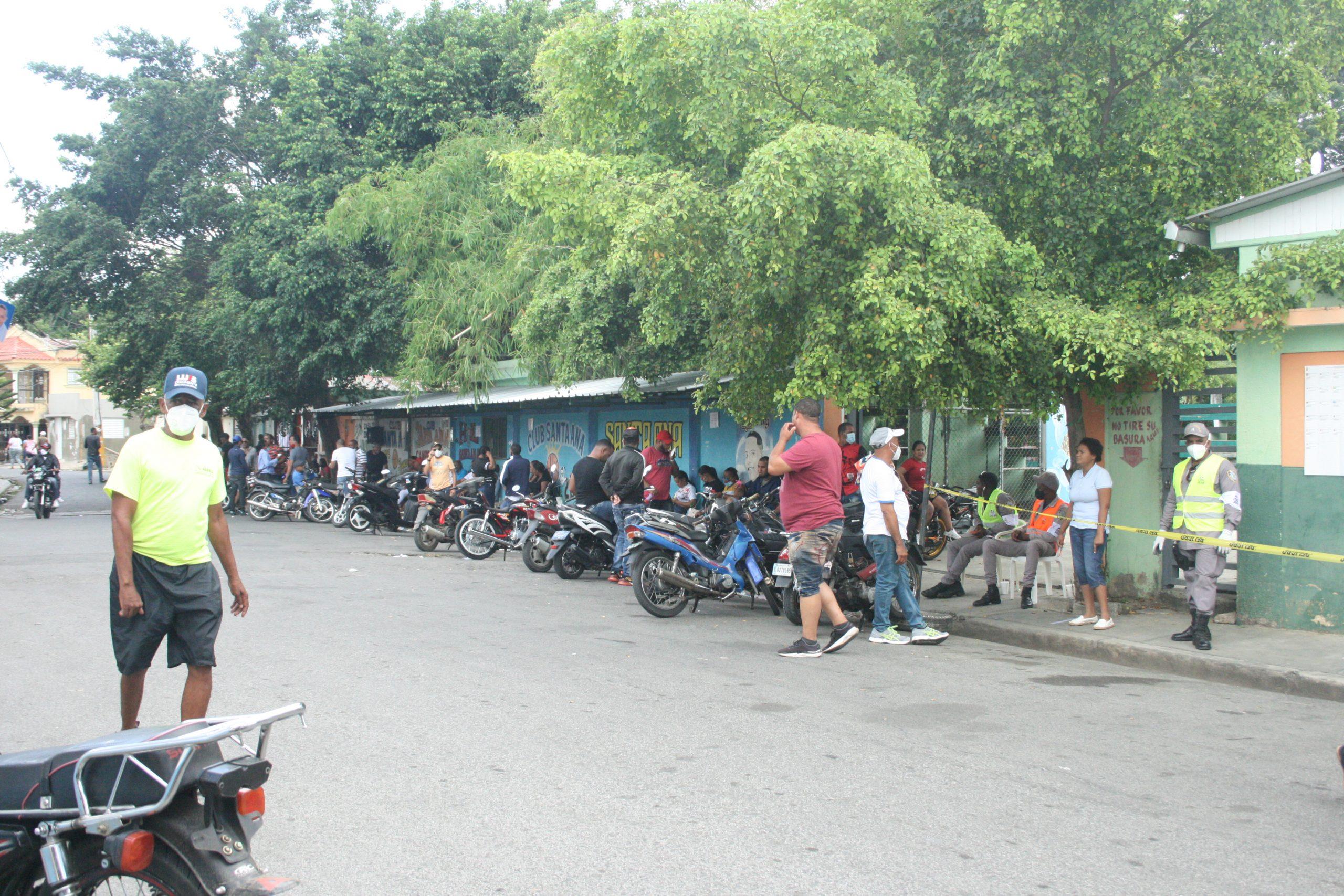 Aglomeración de personas en elecciones SFM