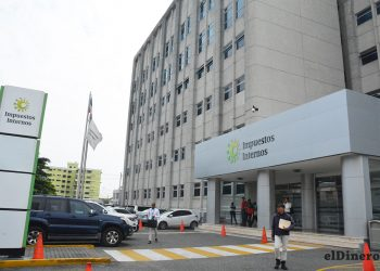 La DGII recauda alrededor del 76% de los ingresos totales. | Lésther Álvarez