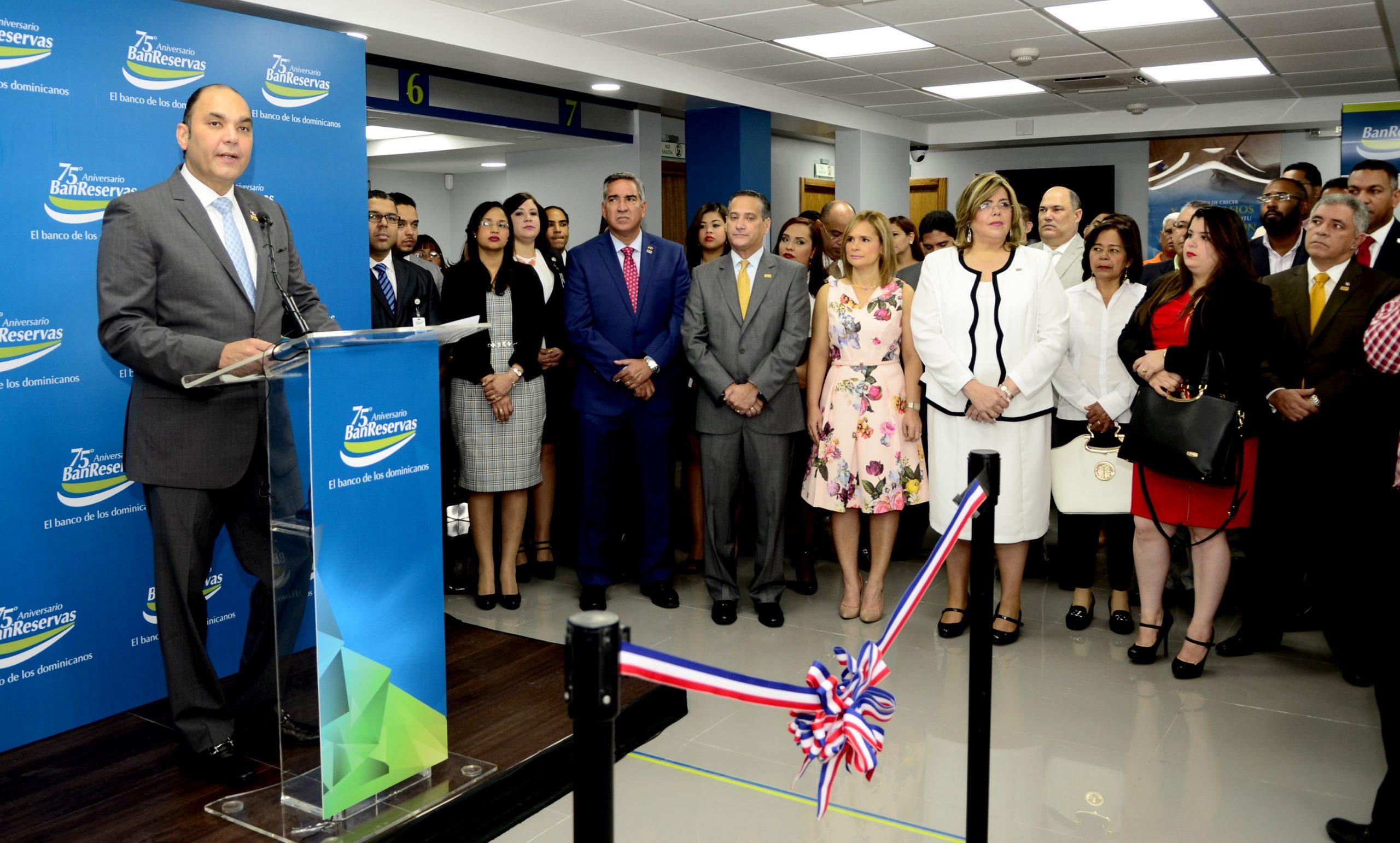 inauguración oficina en puñal, santiago