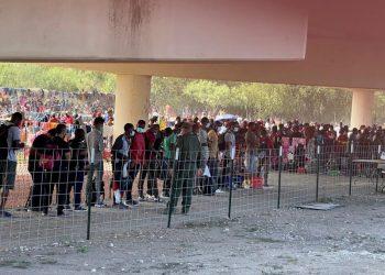 Inmigrantes haitianos en frontera con Estados Unidos
