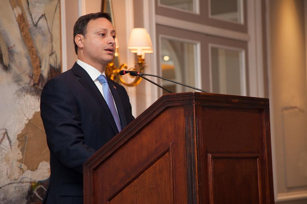 El director ejecutivo del CEI-RD Jean Alain Rodríguez, durante una ponencia en FITUR.