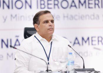 Jochi Vicente, ministro de Hacienda.