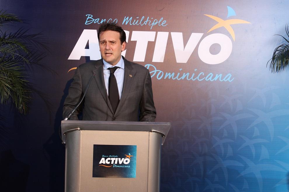 josé antonio oliveros febres cordero, presidente del banco activo