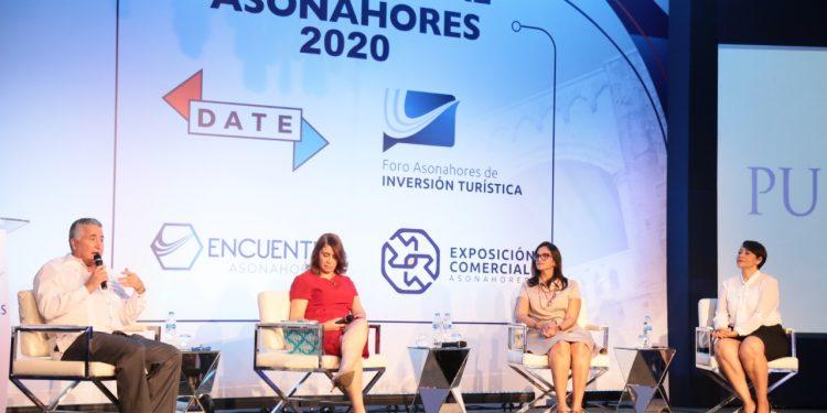 José Natalio Redondo, Tatti Lahoz, Yineida Fernández y Katy Morillo.