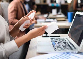 Desinfección, espacios laborales, oficinas