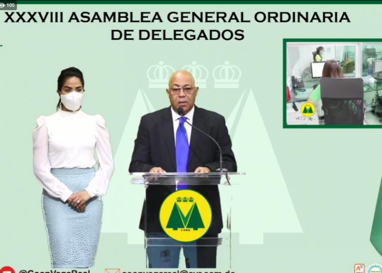Yanio Concepción, presidente ejecutivo de Cooperativa Vega Real, en la presentación de su informe ante la 38 Asamblea General de Delegados.