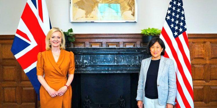 Liz Truss y Katherine Tai