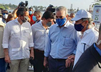 El presidente Luis Abinader y  el empresario Carlos José Martí. | Lésther Álvarez.