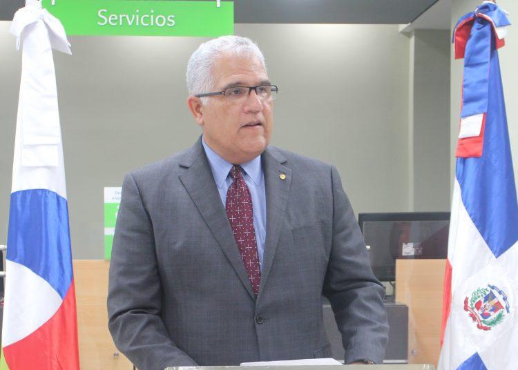 Luis Lembert, vicepresidente ejecutivo de Banca de Personas y Negocios del Banco BHD León.