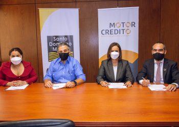 Mayra Jiménez, Miguel Barletta, Benahuare Pichardo y Xavier Hernández.