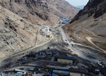 Fotografía aérea de la entrada a la mina El Teniente, el 2 de diciembre de 2020, en Rancagua, Chile. | Alberto Valdes, EFE.