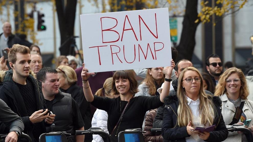 mujeres contra trump