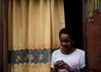 Mujeres en el mundo de las TIC, celulares