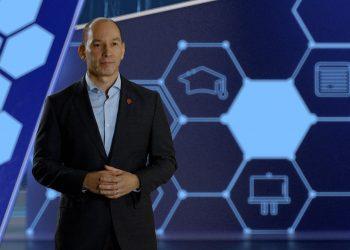 Omar Acosta, vicepresidente de Mercadeo y Comunicaciones Corporativas de Claro.
