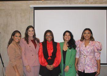 Paloma de la Cruz, Sarah Despradel, Danielis Fermín, Karina Chez y Rommy Pichardo.