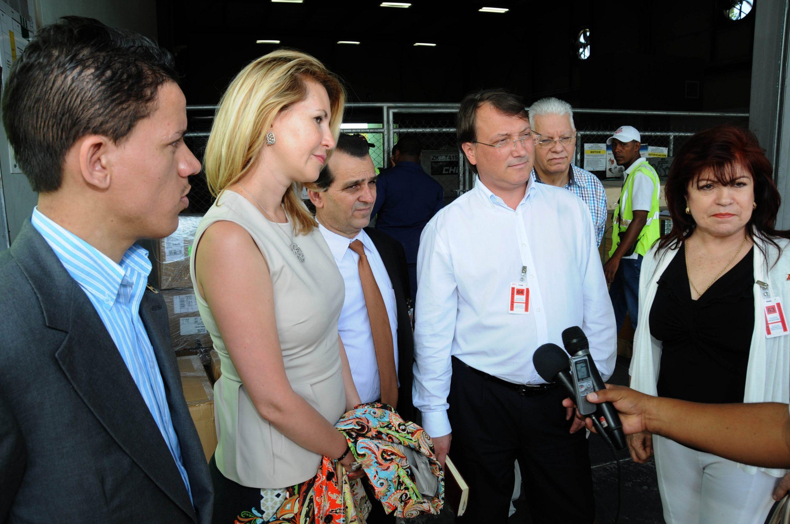 Autoridades dominicanas y rusas inspeccionan primer embarque de frutas y vegetales hacia esa nación./elDinero