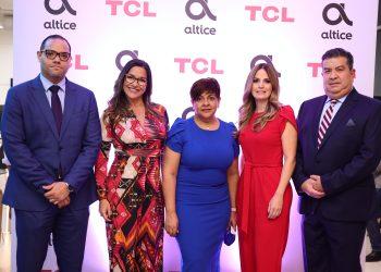 Manuel Mueses, Luz Ascanio, Soraida Soto,  Laura Peña y Jesús Hung