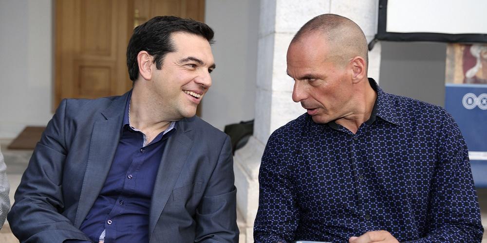 En una foto de junio de 2014, el primer ministro griego Alexis Tsipras y el exministro de finanazas Yanis Varoufakis, en un encuentro en Atenas.