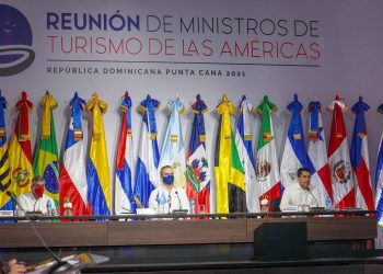 Reunión de ministros de Turismo de las Américas, encabezada por el presidente Luis Abinader.   Fuente externa.