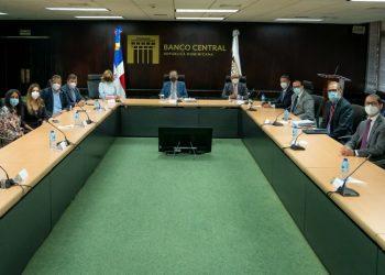 Reunión del Banco Central con miembros de Acoprovi.