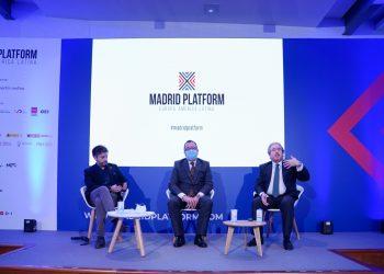 Antonio Magraner, presidente de FIJE; Fermín Albadalejo, presidente de CEAJE,  y Enrique Díaz Revorio, letrado de la Administración de Justicia, director del Departamento de Derecho Concursal de IAG Auction.
