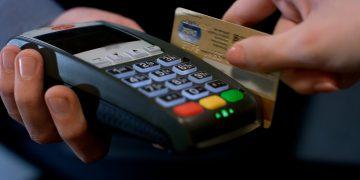 La ABA detalló que, entre 2014 y 2020, las transacciones con tarjetas bancarias en puntos de venta se incrementaron en un 62%, pasando de RD$222.6 mil millones en 2014 a RD$361.5 mil millones en 2020.