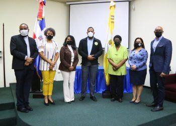 -Ricardo de la Rosa, Santa de la Cruz, Carmen Mercedes Rodríguez, Danny Rincón, Celsa Batista, Kirsis De los Santos, Salvador Batista