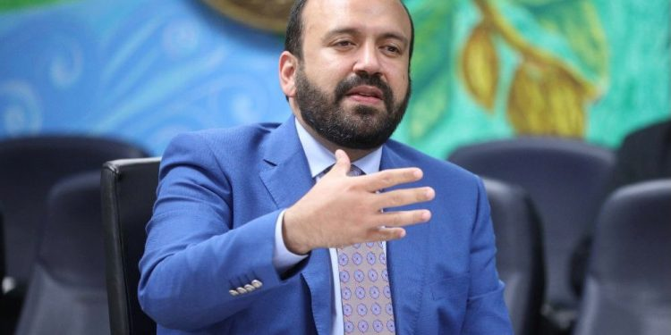 El viceministro de Comercio Interno, Ramón Pérez Fermín.