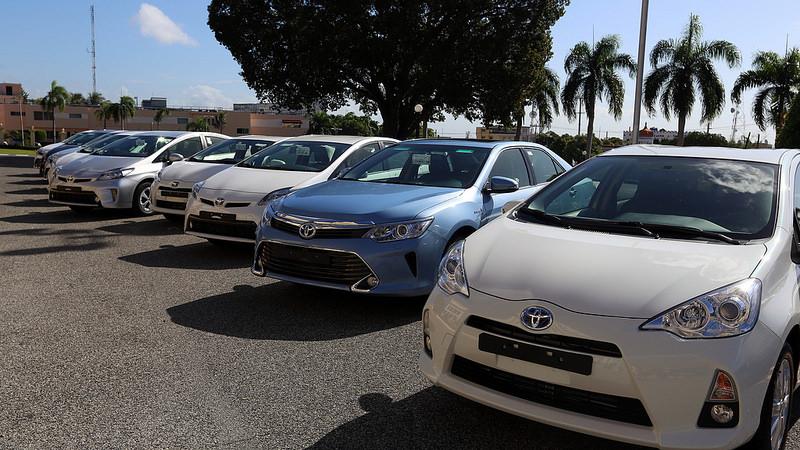 Los vehículos híbridos son de la marca Toyota y son eficientes en el gasto de combustible./elDinero