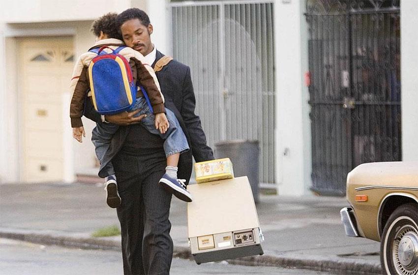 Will Smith protagoniza esta película junto con su hijo Jaden, quien se esternó con éxito como actor.