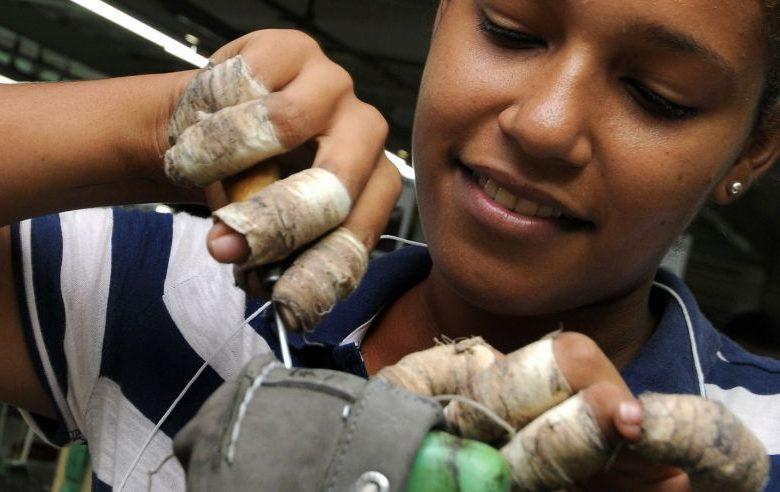 Las zonas francas constituyen un sector importante en la economía dominicana. | elDinero