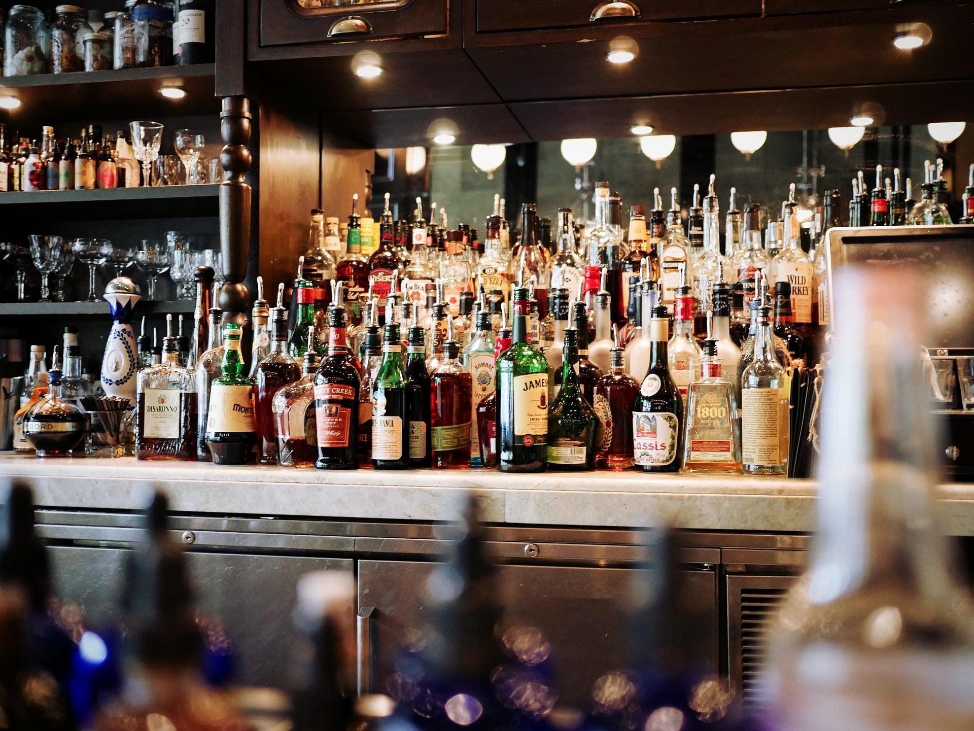 Bar, Bares, bebidas alcohólicas