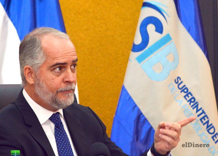 Alejandro Fernández Whipple, superintendente de Bancos.   Lésther Álvarez