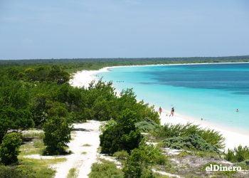 Bahía de las Águilas, playa, turismo, turismo interno