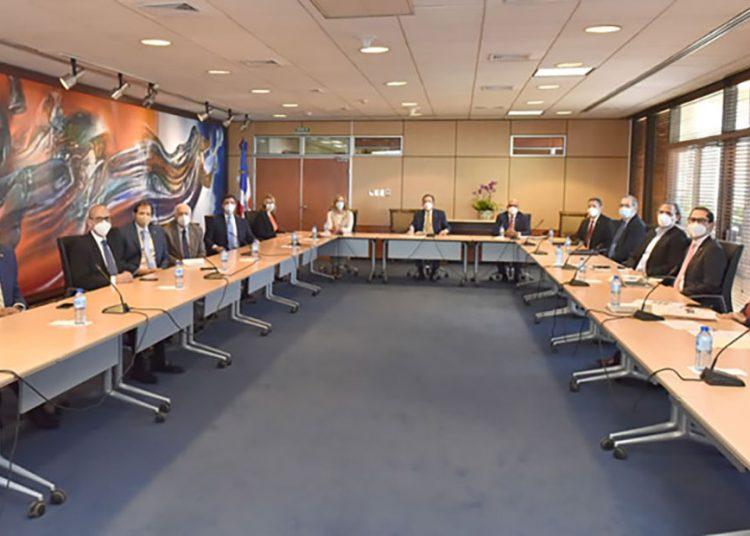 Representantes del Banco Central, ABA, Abancord y Lidaapi.