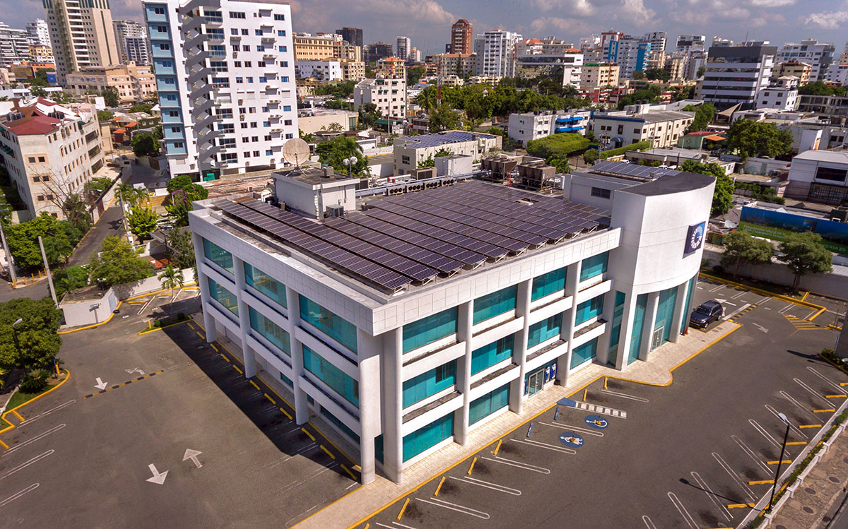 banco popular uso energia renovable