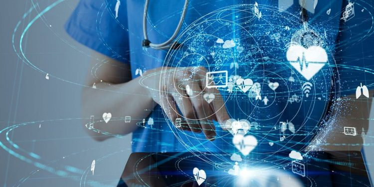 Implementar sistemas que automaticen procesos básicos ayuda a optimizar el tiempo que el médico dedica al paciente en la consulta.